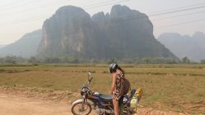 Tohle jsme vídali všude okolo. Hodně nám to připomínalo národní park Phonh Nha