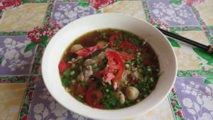 Nudlová polévka s rajčaty a knedlíčky