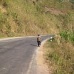 Malá paní, takových běhá po Laosu spousty