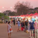 Noční trh ve Vientiane