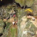 Jeskyně u blue lagoon