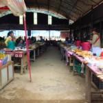 Market po cestě do Luang Namtha