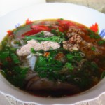 Typická laoská nudlová polévka